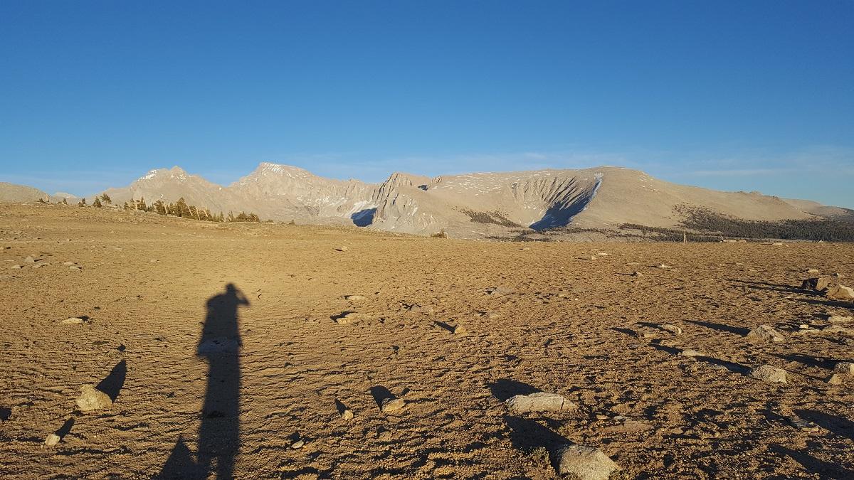 Plateau pelé tout en haut d'une montagne - Lifeless plateau on a moutain top